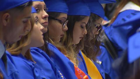 Aunque los retos para muchos estudiantes hispanos pueden ser insuperable...