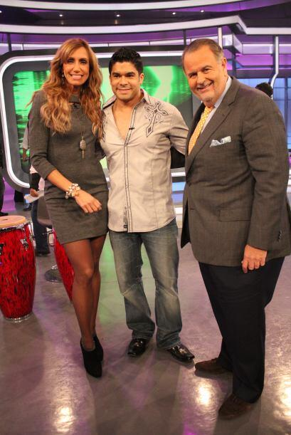 El cantante aprovechó para posar con Raúl y Lili.