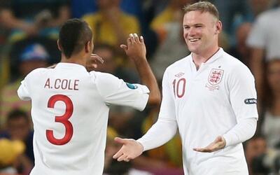 Ashley Cole y Wayne Rooney, un pasado en común en la selecci&oacu...
