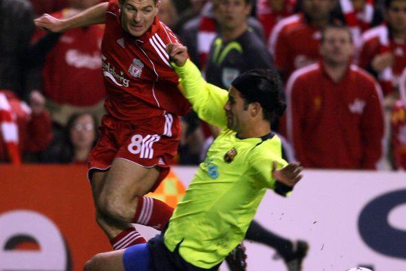 Enfrentó rivales de calidad como Steven Gerrard.