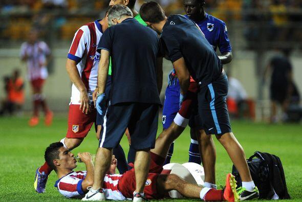 Casí al final Raúl Jiménez sufrió una sobrec...