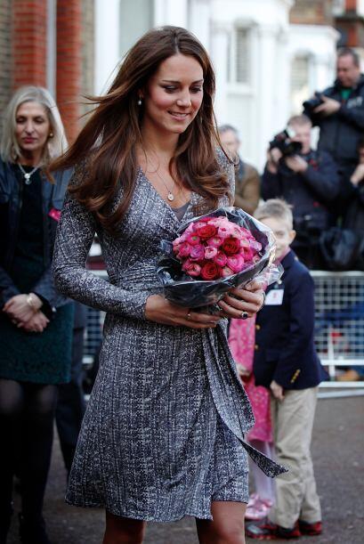 Ya sabes las claves del estilo de Kate Middleton. Sigue su estilo y luce...