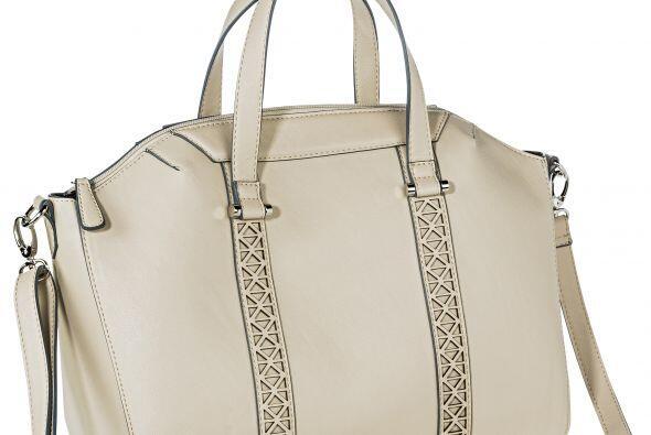 El blanco, marfil u ostión es otro color de este tipo de mam&aacu...