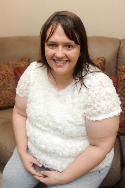 Tener esta nueva dentadura realmente cambio la vida de Lynda y ahora es...
