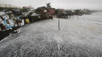 Deja tifón Hagupit tres muertos en Filipinas