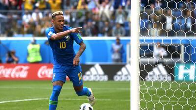 Neymar sigue los pasos goleadores de Pelé y Ronaldo con la 'Canarinha'