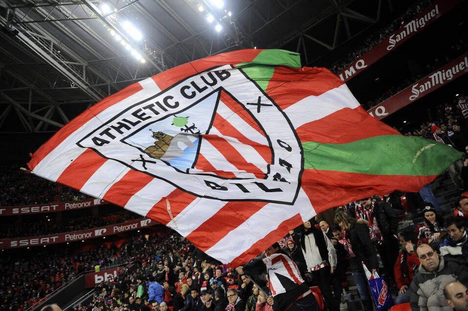 Barcelona estaría cerca de cerrar el fichaje de Paulinho  AP_67105993340...