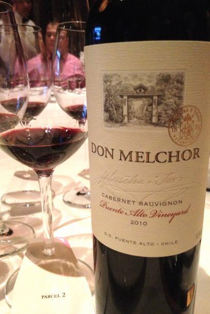 Este vino chileno de uva Cabernet Sauvignon, es cosecha 2010 y consiguió...