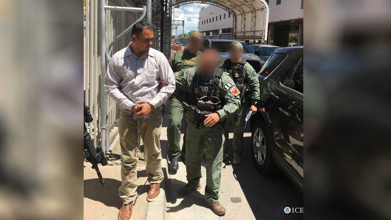 Ysidro Mendoza-Guzmán, de 33 años, fue entregado a representantes de la...