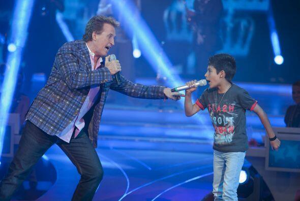 El pequeño cantante ha mejorado mucho su forma de interpretar.