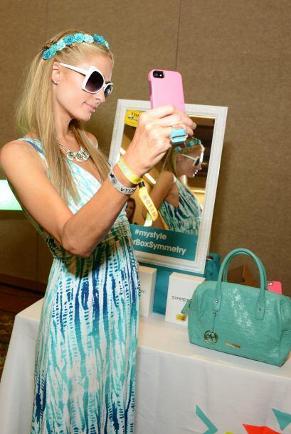 """Sacándose una """"selfie"""". Mira aquí más videos de Chismes."""