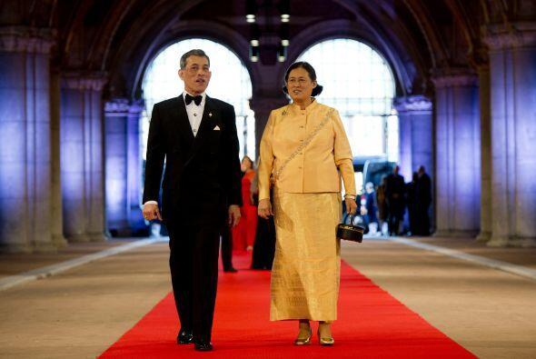 Algunos de los presentes fueron el Príncipe heredero Maha Vajiralongkorn...