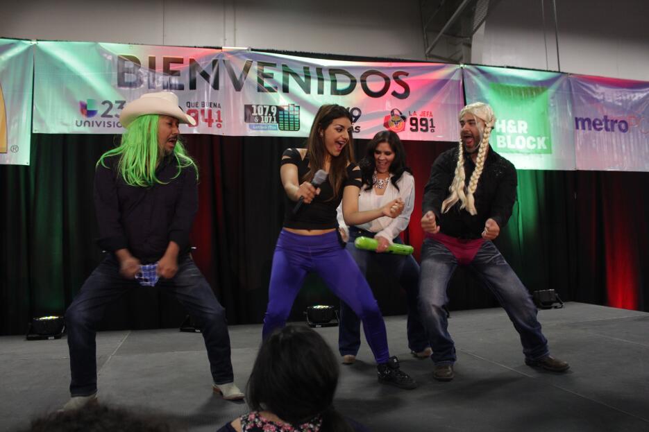 Tremendo festival en Dallas con los concursos 'Pequeño Genio y 'La Gran...