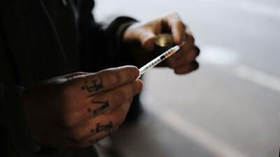 Advierten de posible comercialización de heroína contaminada y peligrosa en Los Ángeles