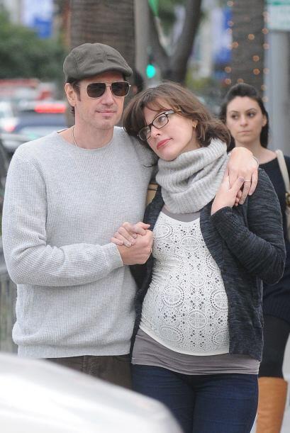 La actriz paseó con su amor, el director Paul Anderson, tomaditos...