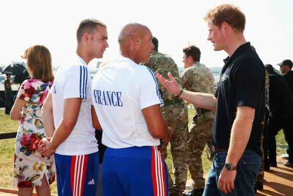 Y es que Henrry está muy comprometido con los soldados por su ran...