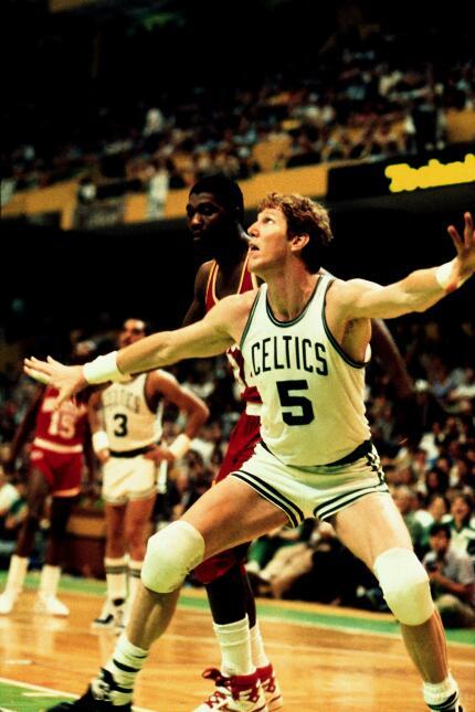 En 1985, con uno de los mejores quintetos de la historia de la NBA, los...