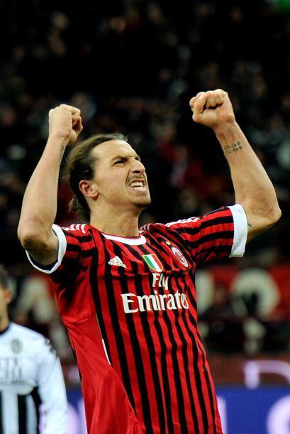 Con la victoria, el Milan está a solo 2 puntos para alcanzar la cima de...