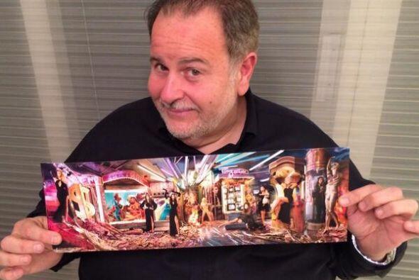 Raúl de Molina recibió la postal de la familia Kardashian,...