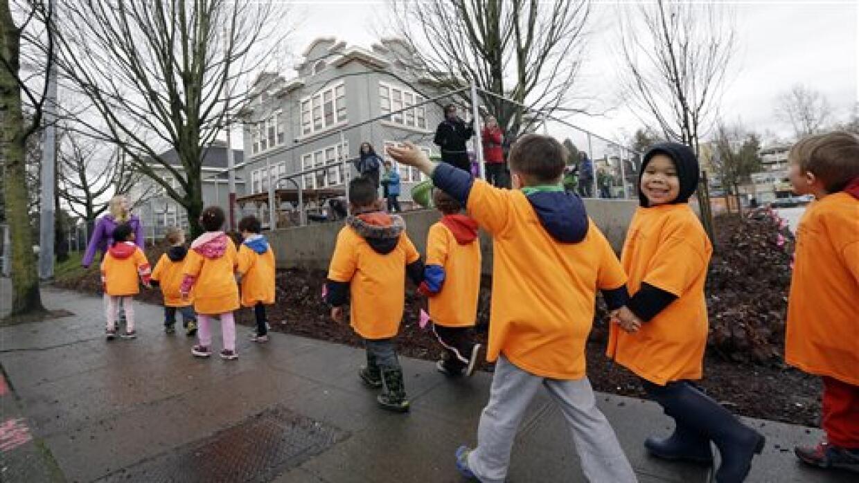 Menos de la mitad de los hispanos asiste a un preescolar