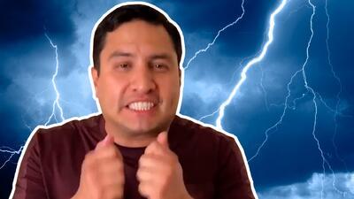 """""""¡Ay verrr!""""… a Julión Álvarez un rayo le metió tal susto que prometió no cantar más esta canción lloviendo"""