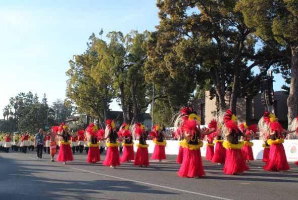 La alegría contagiosa del Desfile de las Rosas calentó el ambiente y ent...
