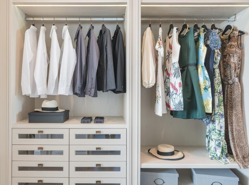No amontones la ropa en el clóset. Tus prendas necesitan espacio y deben...
