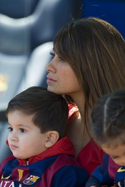Messi lleva a toda su familia a la cancha para que le echen porras.