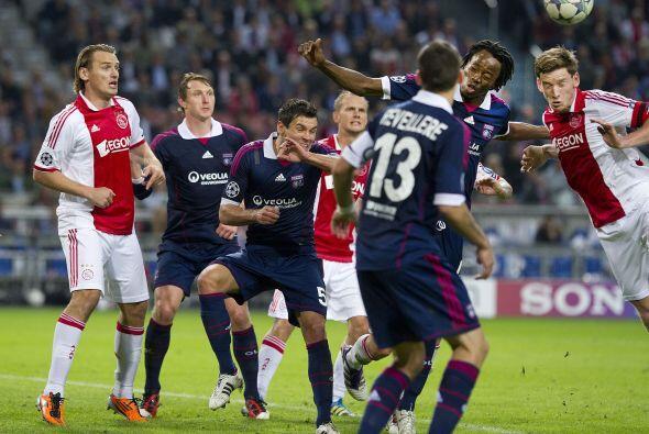 Ajax y Lyon se midieron en Holanda pero repartieron puntos.