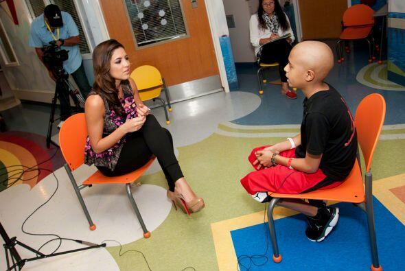 Pamela Silva Conde visitó a los angeles del hospital St. Jude. No se pi...