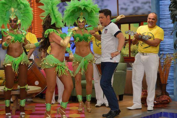 El carnaval llegó a Despierta América y también la hora del baile.