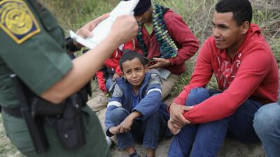 El programa CAM permitía a inmigrantes legales en Estados Unidos pedir e...