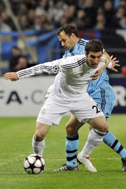 El Real Madrid ganó en Lyon al Olympique, y sacó al equipo...