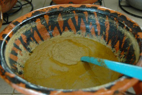 Entre los moles más típicos de Puebla está el pipian, una salsa que se p...