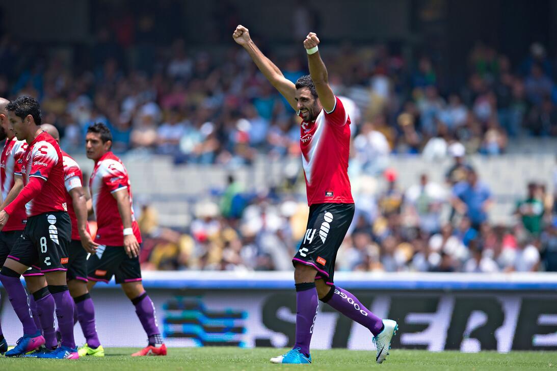 Los Pumas se hunden ante un Veracruz que toma oxígeno. Cristian Pelleran...