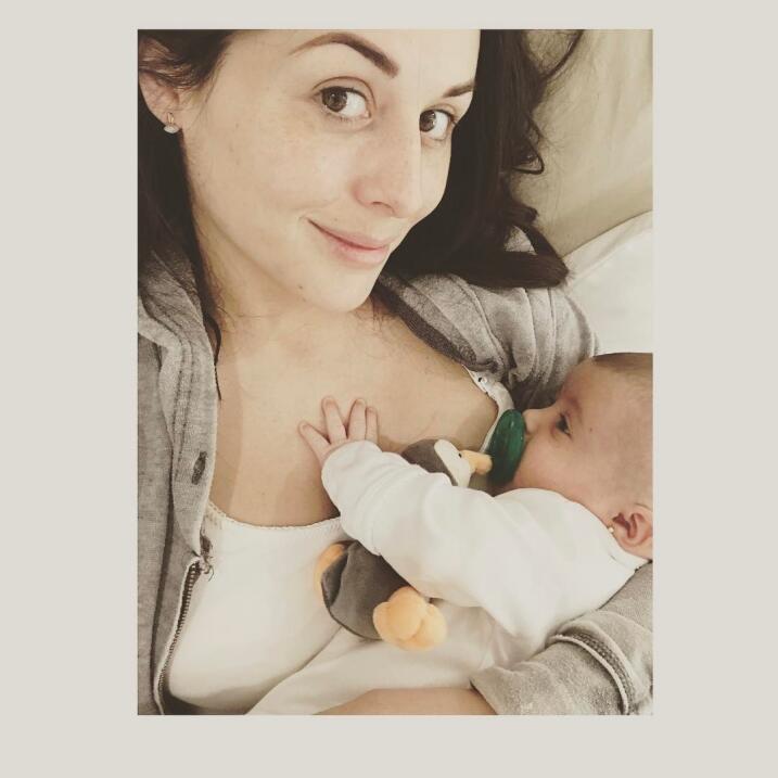 Zuria Vega continúa enamorada de su hijaYl;�_tˏ�