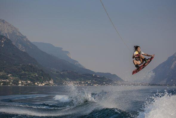 Practica el wakeboarding boat desde los 6 años y hoy en dí...