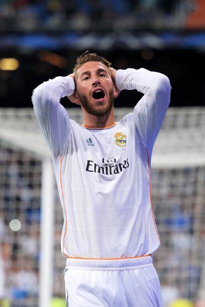 Sergio Ramos (8): Firmó una final inmaculada. Líder de la...
