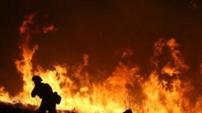 El fuego que azota el norte del estado desde hace dos semanas provocó el...