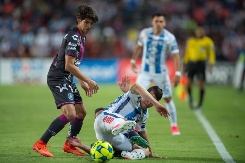 Puebla saca de Pachuca un meritorio empate sin goles Hirving Lozano Pach...