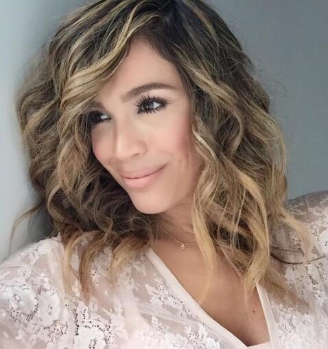 Karla Martínez peinado