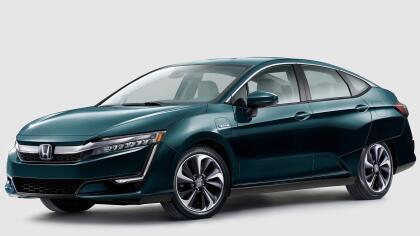 """<h3 class=""""cms-h3-H3"""">4. Honda Clarity</h3><br/>La familia Clarity de autos electrificados de Honda viene en tres versiones: eléctrico, híbrido enchufable y con electricidad generada por una celda combustible alimentada por hidrógeno. Sus dueños reportaron problemas con el sistema climático, los sistemas de distribución de combustible y escape (en el caso del híbrido enchufable) y problemas con la carrocería."""