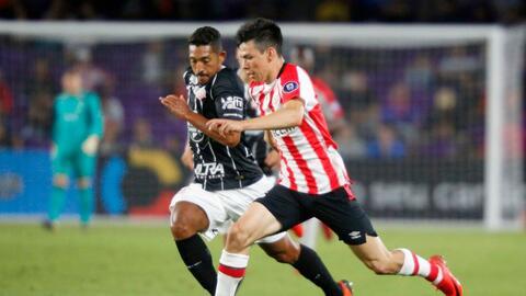 Lozano fue titular con el PSV en el juego contra Corinthians.
