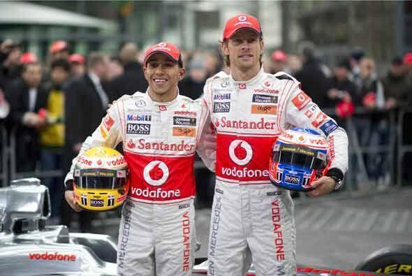 Lewis Hamilton y Jenson Button se mostraron optimistas de que el auto lo...