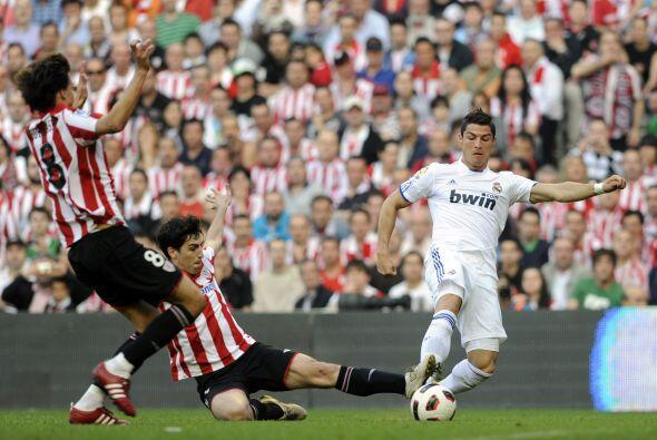El portugués entró con todo y ,con lesión incluida,...