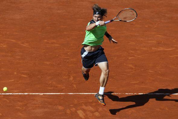 Ferrer doblegó a su compatriota Tommy Robredo (32) en tres sets 6-1, 6-2...