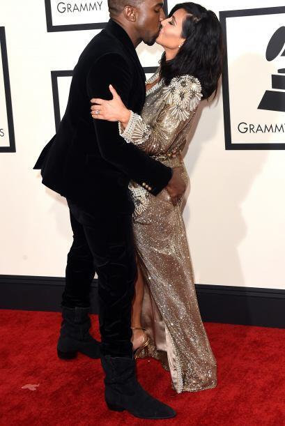 ¡Cómo dos enamorados! Kanye West llegó a los GRAMMY bien acompañado de s...