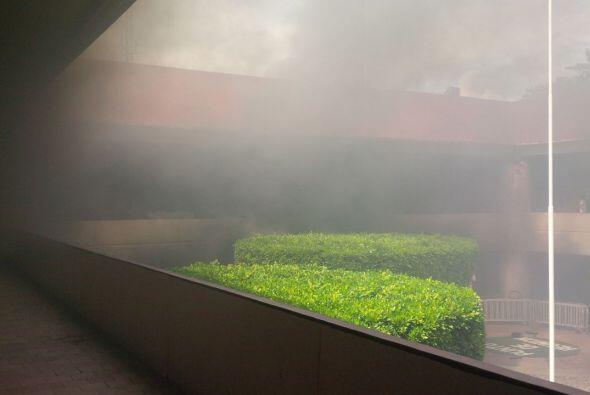 Univision realizó un recorrido por el lugar. El humo impedía la visibili...