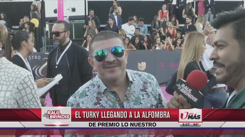 El 'look' del Turky en Premio Lo Nuestro 2017