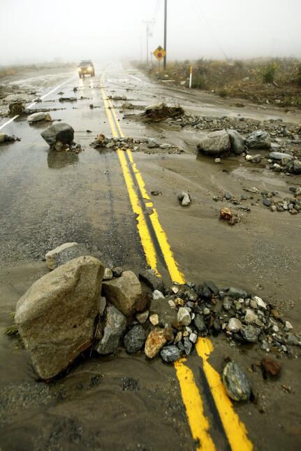 Las primeras lluvias de octubre de 2004 en las zonas afectadas por incen...